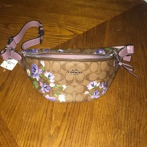 NWT Coach Lily Print belly bag